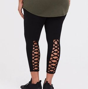 Torrid plus size criss cross leggings